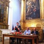 Vittorio Sgarbi con il sindaco e il direttore di Confcommercio Varotti